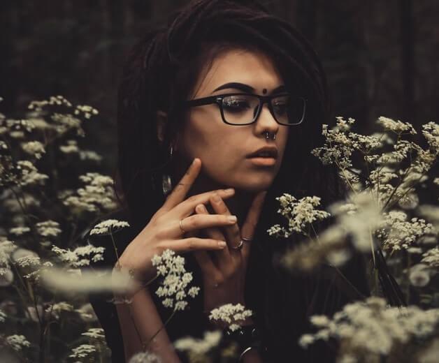 bindi modern girl