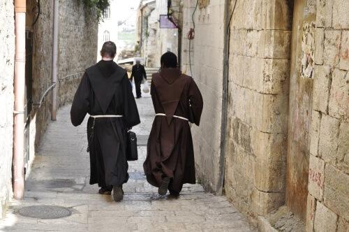 Fransiscan monks brown robes