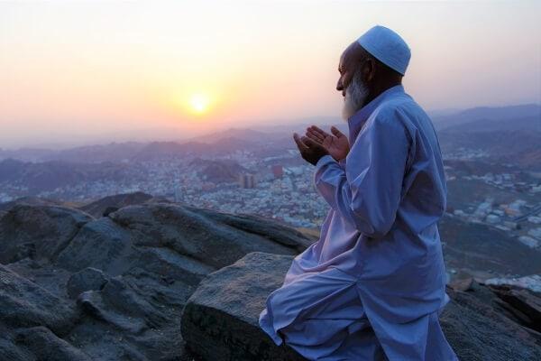 White color in Islam
