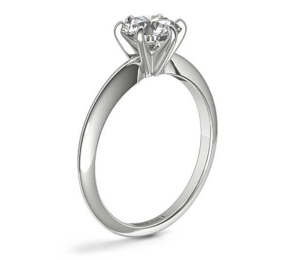 Floating setting engagement ring