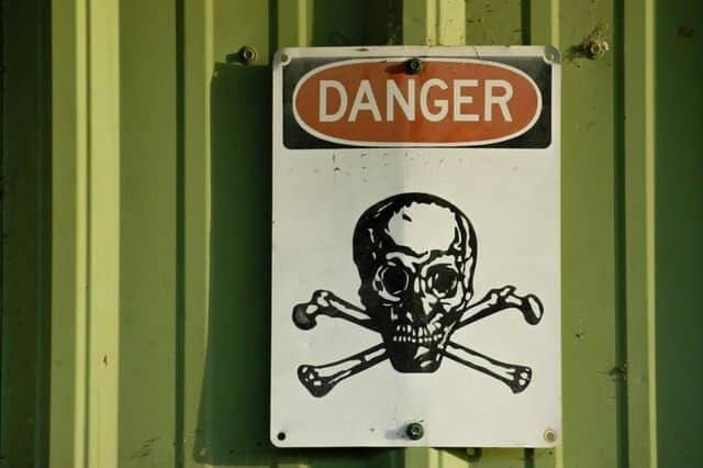 Skull crossbones danger sign