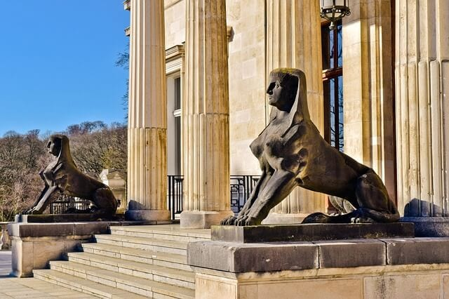 Oedipus sphinx riddle
