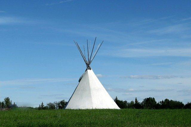 Lakota symbol and teepee