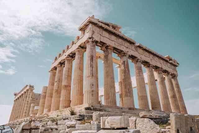 Parthenon and golden spiral