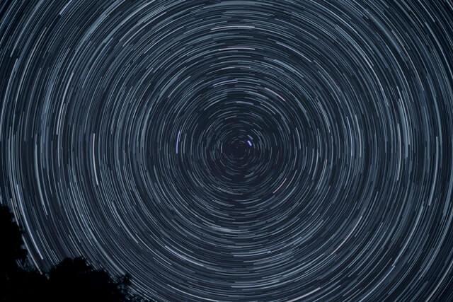 stars spinning north star