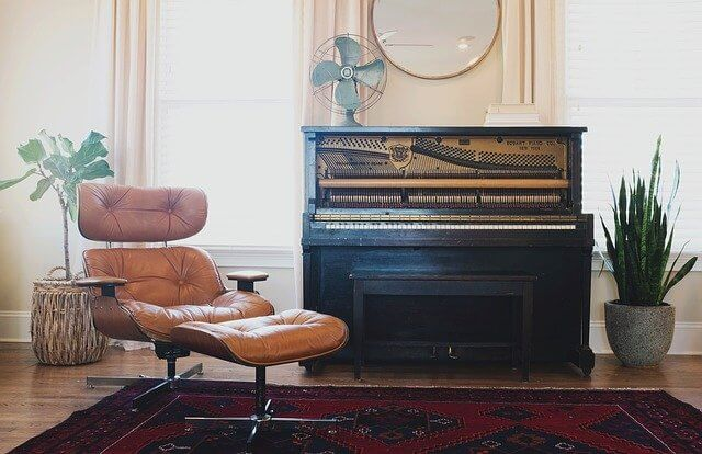 what does piano symbolize?