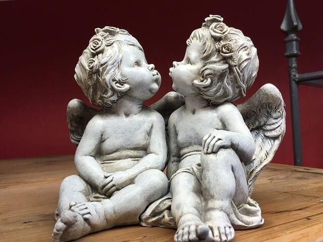 Cherubim vs cupid
