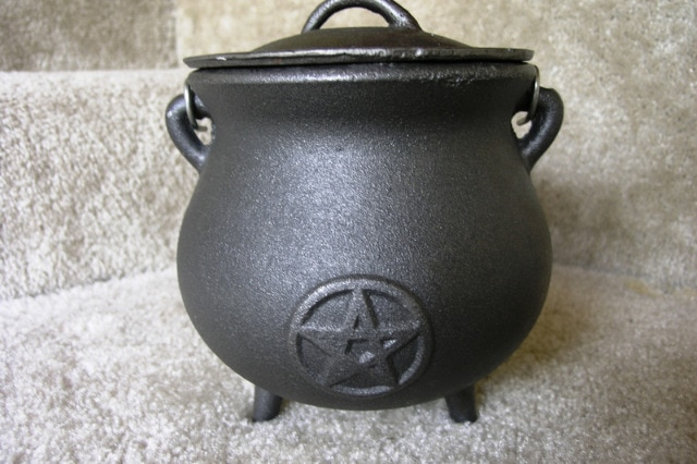 Cauldron wicca