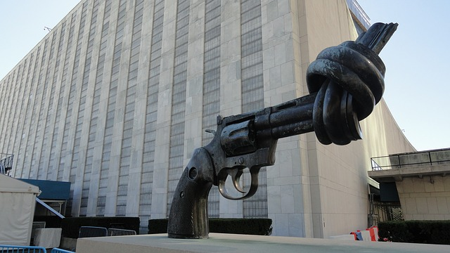 The knotted gun non violence sculpture